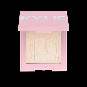 NWOT Kylie Cosmetics Kylighter - Ice Me Out